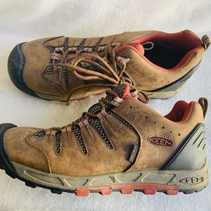 Keen Sneakers 9.5 Leather